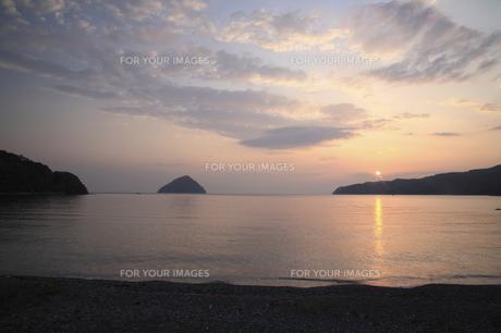 朝の海の写真素材 [FYI00473854]