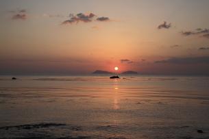 海 日の出の写真素材 [FYI00473867]