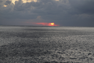 朝の海の写真素材 [FYI00473875]
