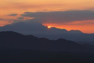 御嶽山より阿蘇山を望むの写真素材 [FYI00473883]