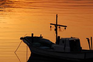 夕刻の十六島の漁港の写真素材 [FYI00473922]