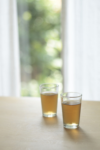 窓辺のお茶の写真素材 [FYI00474342]