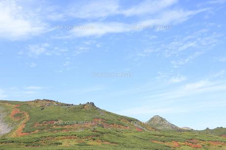 赤岳登山コース紅葉の写真素材 [FYI00474386]
