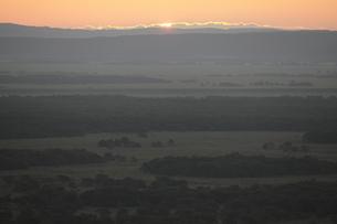 釧路湿原の日の出の写真素材 [FYI00474479]