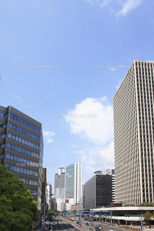 大阪市北区のビル街の写真素材 [FYI00474793]