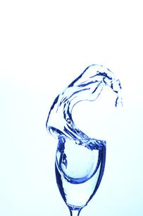 ワイングラスと水の写真素材 [FYI00474936]