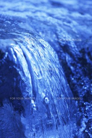 水の流れの素材 [FYI00474985]