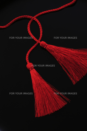 赤い組紐の写真素材 [FYI00475226]