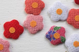 梅の花の飾り物の写真素材 [FYI00475242]