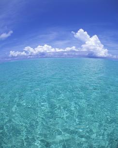 海と水平線と空の写真素材 [FYI00475598]