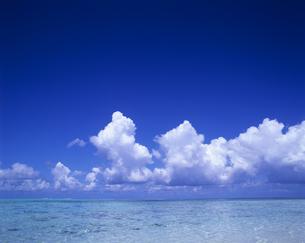 海と水平線と空の写真素材 [FYI00475723]