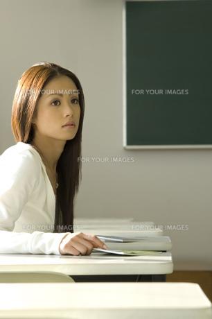 日本人女子大生の写真素材 [FYI00476517]