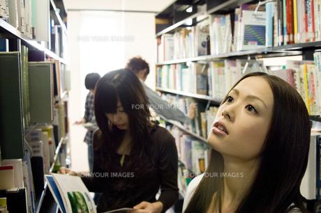 図書室の写真素材 [FYI00476577]