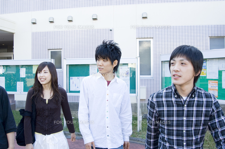 学生グループの写真素材 [FYI00476631]
