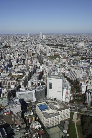 新宿三丁目周辺の空撮の写真素材 [FYI00477666]