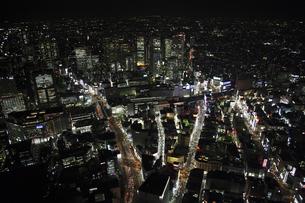 新宿駅周辺の空撮の写真素材 [FYI00477678]