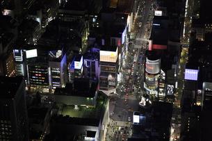 銀座4丁目交差点周辺の空撮の写真素材 [FYI00477763]