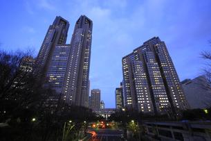 東京都庁の夕景の写真素材 [FYI00477852]