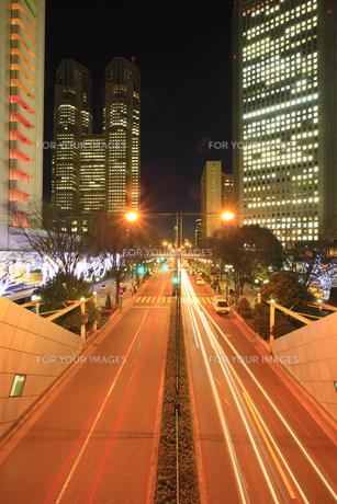 新宿副都心ビル群の夜景の写真素材 [FYI00477855]