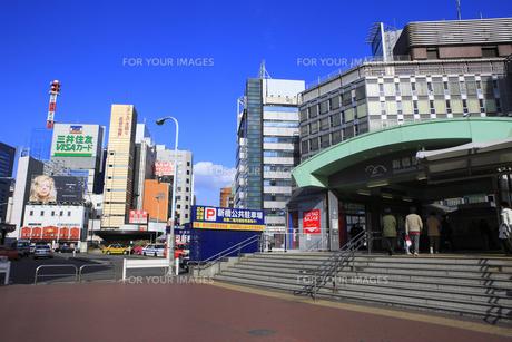 ゆりかもめ新橋駅周辺の写真素材 [FYI00477860]