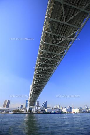 レインボーブリッジと青空の写真素材 [FYI00477863]