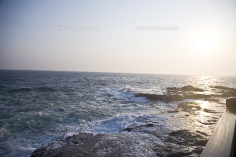 夕刻の海の写真素材 [FYI00478705]