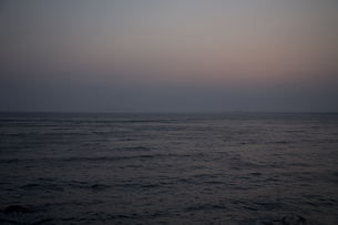 夕刻の海の写真素材 [FYI00478721]