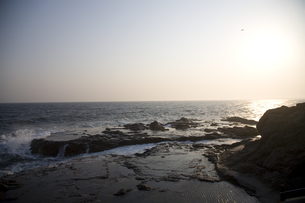 夕刻の海の写真素材 [FYI00478728]