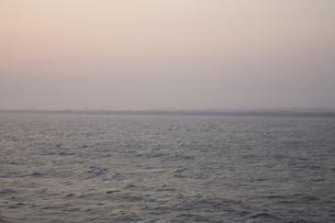 夕刻の海の写真素材 [FYI00478743]