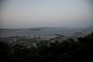 夕刻の三浦半島の写真素材 [FYI00478744]