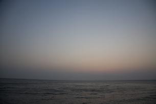 夕刻の海の写真素材 [FYI00479356]