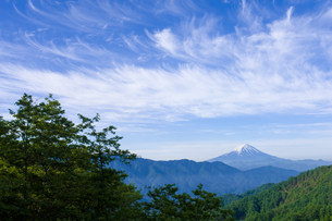 富士山遠望・柳沢峠の写真素材 [FYI00480159]
