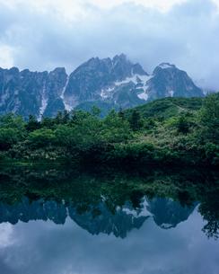 仙人池と剱岳の写真素材 [FYI00480219]