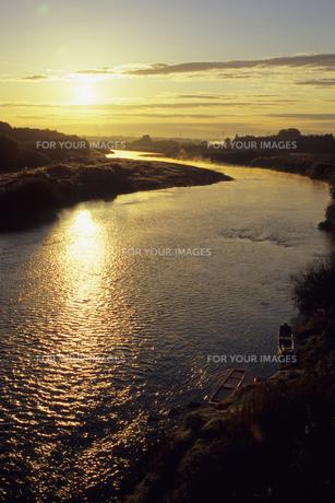 久慈川の日の出、Kuji sunriseの素材 [FYI00480453]