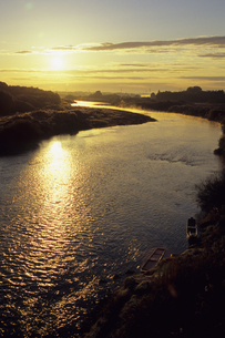 久慈川の日の出、Kuji sunriseの写真素材 [FYI00480453]