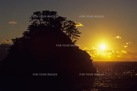 堂ヶ島の落日、Do~ke Island sunsetの素材 [FYI00480459]