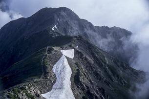 赤石岳の勇姿の写真素材 [FYI00480522]