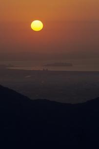 江の島と日輪の写真素材 [FYI00480524]
