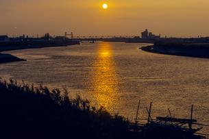 筑後川の落日の写真素材 [FYI00480541]