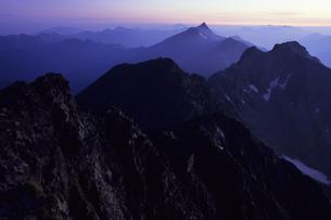 黎明の北アルプス、Dawn of the Northern Alpsの写真素材 [FYI00480552]