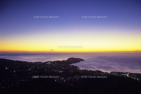 黎明の真鶴半島、Dawn of Manazuru Peninsulaの素材 [FYI00480587]