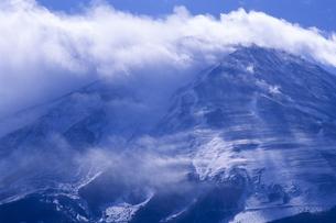山頂の疾風、Gale summitの写真素材 [FYI00480597]