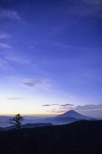 瑠璃色の空と富士の素材 [FYI00480610]