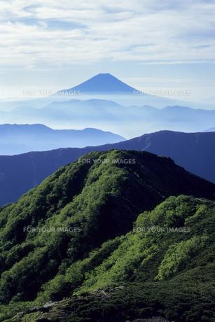 山並みと富士の素材 [FYI00480613]