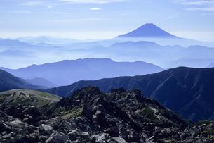 山並みと青き富士の素材 [FYI00480620]