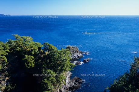 大海原と錦ヶ浦の写真素材 [FYI00480749]