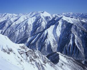雪景の連山の写真素材 [FYI00480767]