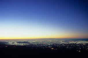 関東平野の街灯りの素材 [FYI00480918]