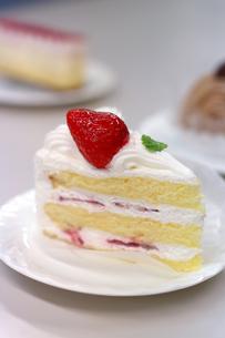苺のショートケーキの写真素材 [FYI00480940]