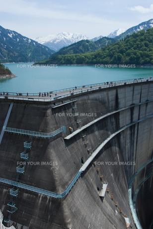 初夏の黒部ダムの素材 [FYI00480991]